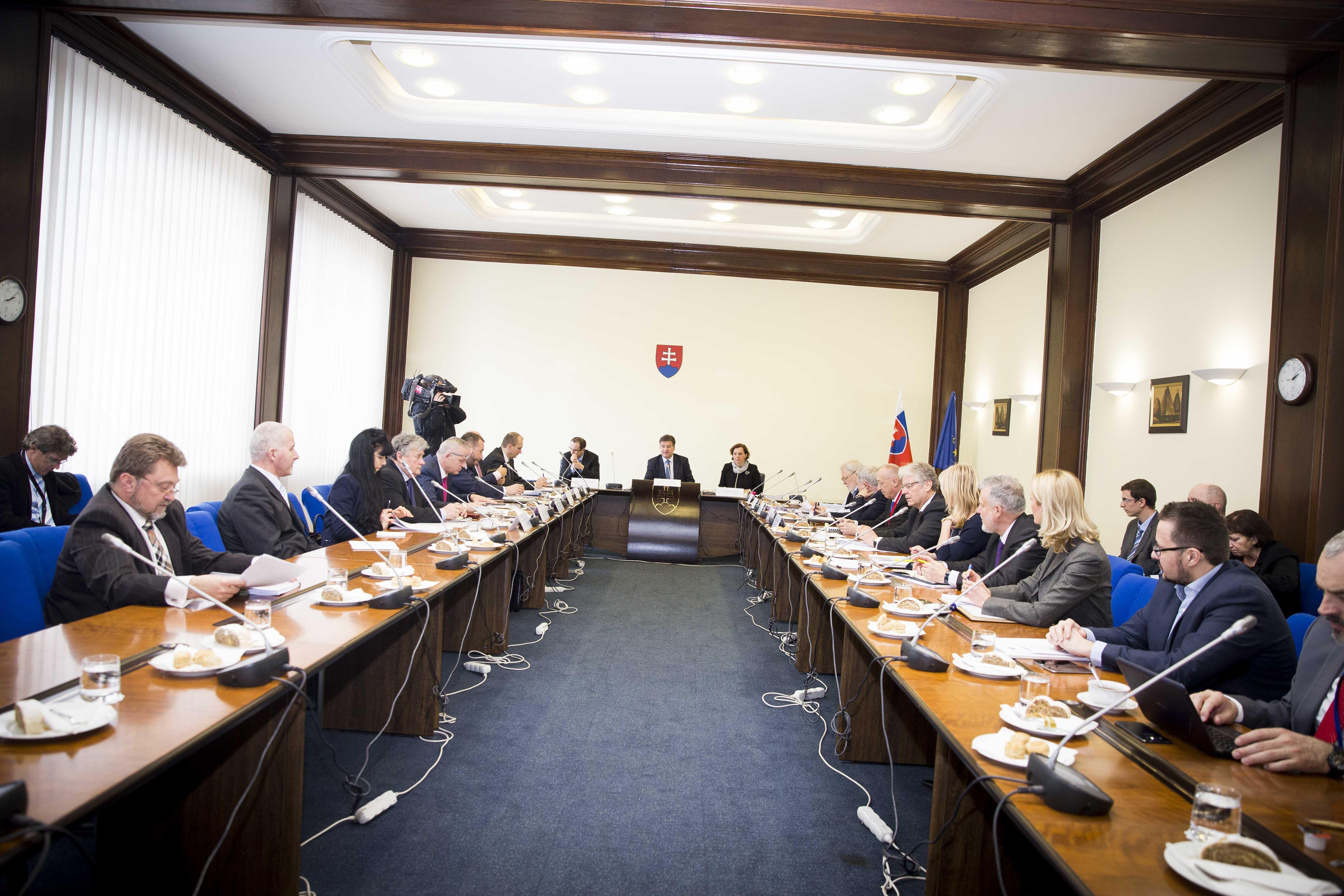 Prvé zasadnutie Rady vlády SR na podporu exportu a investícií