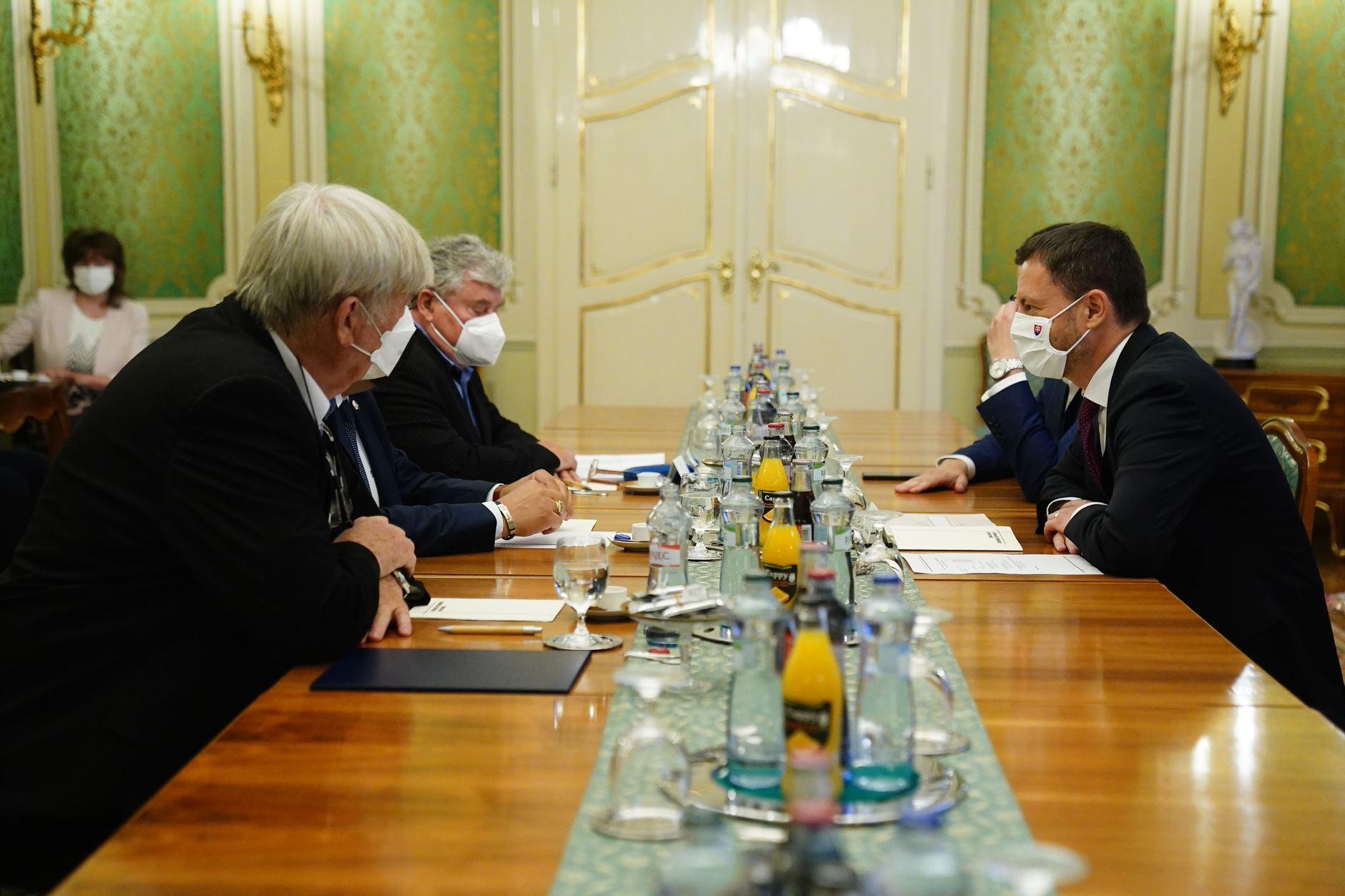 Premiér Eduard Heger diskutoval so zástupcami živnostníkov a malých a stredných podnikateľov